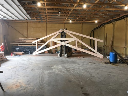 Example of a scissor truss.